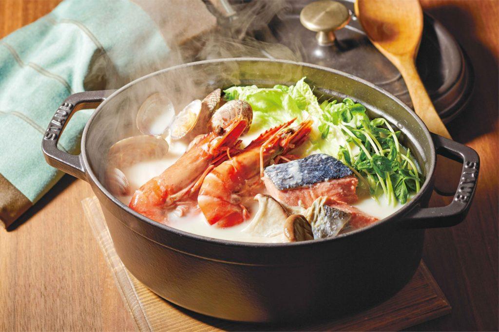 【野菜ぶいよん】レシピ魚介ときのこの豆乳鍋